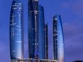 Jumeirah at Etihad Towers Hotel ホテルの詳細